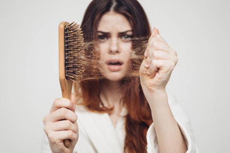 جلوگیری از ریزش موی سر زنان